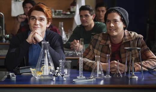 'Riverdale' Recap: Graduation Day - Chapter 79